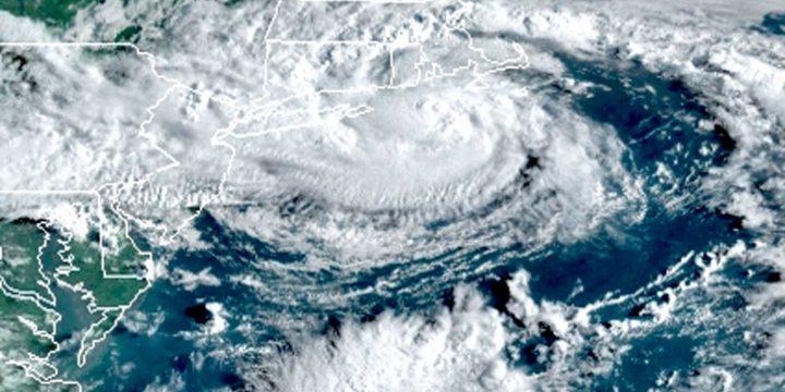 هنری در حال تماشای زنده: طوفان با نزدیک شدن به نیویورک ، بوستون به یک طوفان گرمسیری ضعیف می شود.  آنچه باید در مورد مسیر ، خشکسالی بدانید